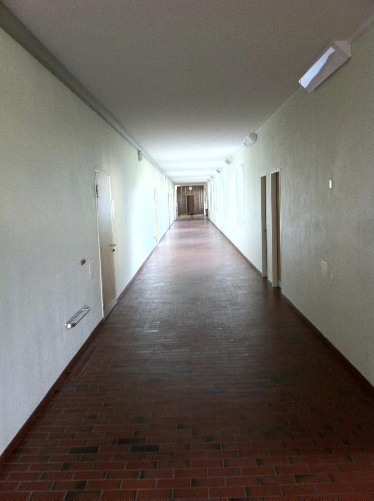 Corridor03
